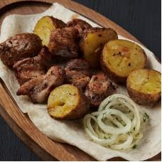 Картофель с подчеревкой на мангале